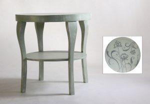 Antik, virágos asztal