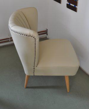 Vajszínű Retro Fotel